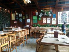 Effingut-Kharadi-indoor-seating