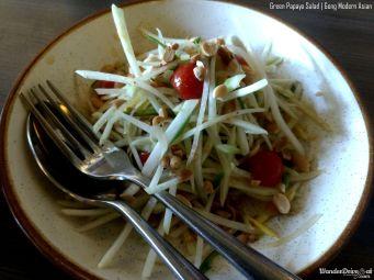 Gong-Baner-raw-papaya-salad