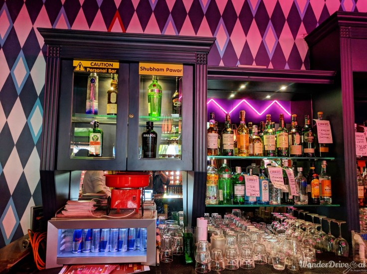 Cirkus-Kalyani-Nagar-WaderDriveEat-interior-private-bar