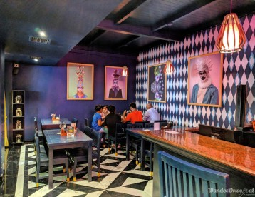 Cirkus-Kalyani-Nagar-WaderDriveEat-interior-seating