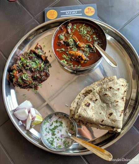 Saoji Khamang Baner WanderDriveEat Varhadi Chicken Thali