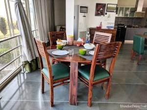 Fratelli Vineyards breakfast table