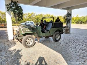 Fratelli Vineyards tour jeep