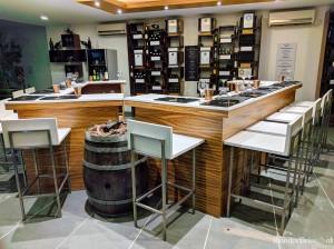 Fratelli Vineyards wine bar