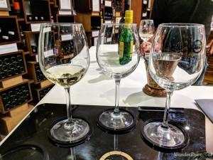 Fratelli Vineyards wine bar tasting white