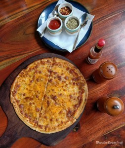 Cinco The Mills Pune Pizza