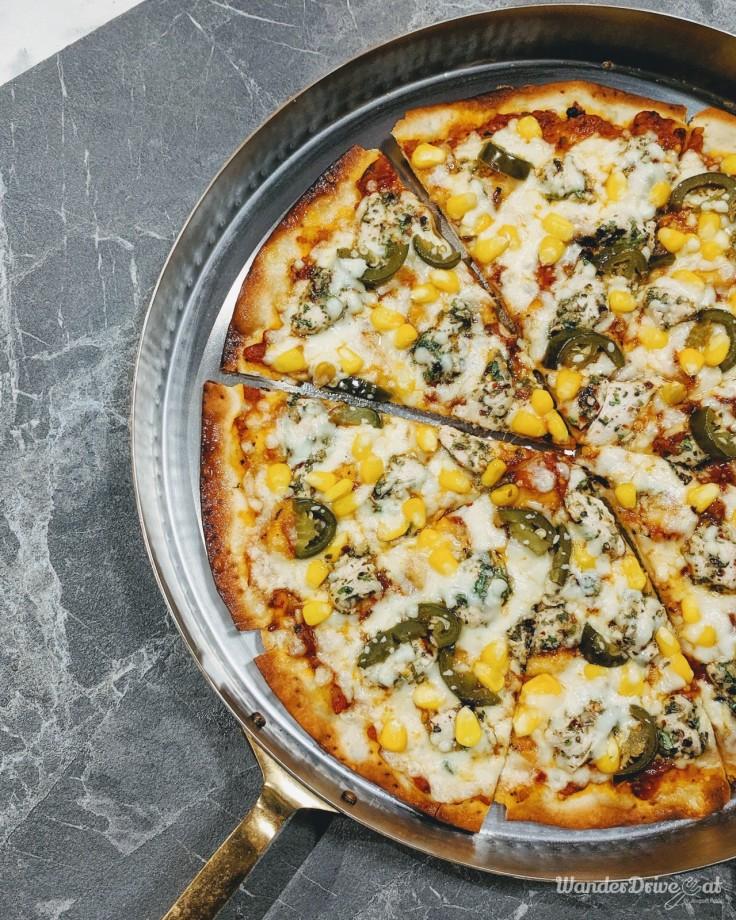 Levit8 Aundh Pune Gaucho Chicken Pizza