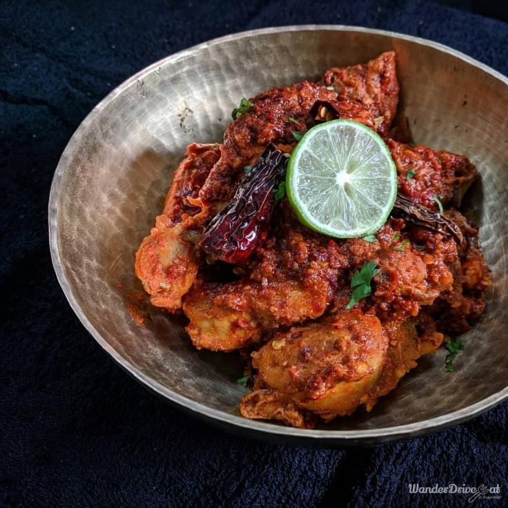 MomNom-Kitchen-Baner-Chicken-Harissa